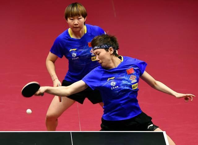 马龙和王曼昱夺公开赛男、女双冠军