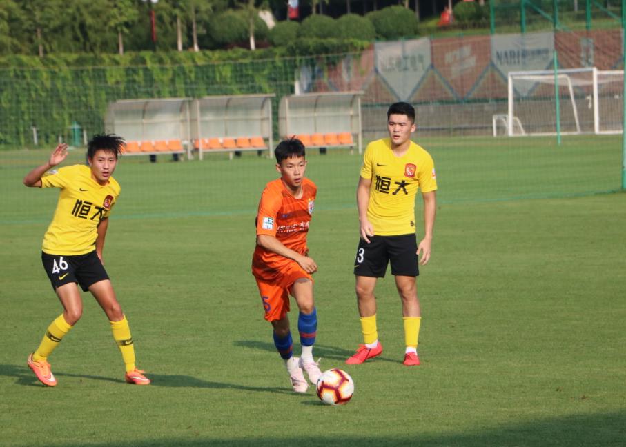 杨意林租借至梅州客家足球俱乐部